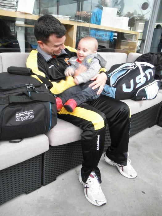 Àlex riendo con Jose
